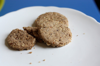 cinnamon almond biscuits