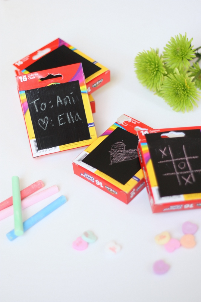 Mini chalkboard Valentine's cards - super easy, inexpensive and a fun option if you're trying to avoid candy