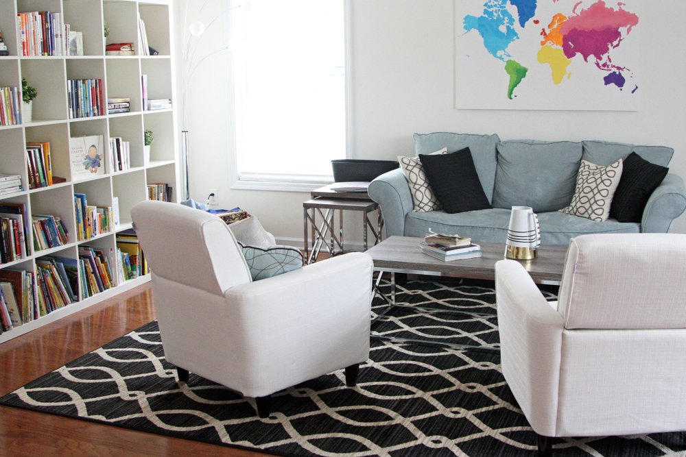 A rug makes a HUGE difference! (Also a giveaway for a free 5x8 rug) #homedecor @mohawkhome