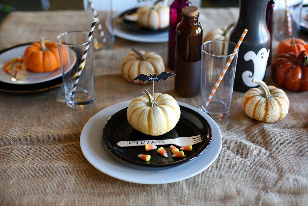 halloween dinner table decorations