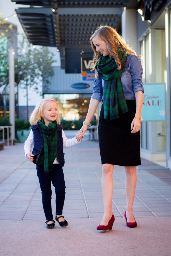 Matching mommy and me scarves you can make in 15 minutes and for about $5!