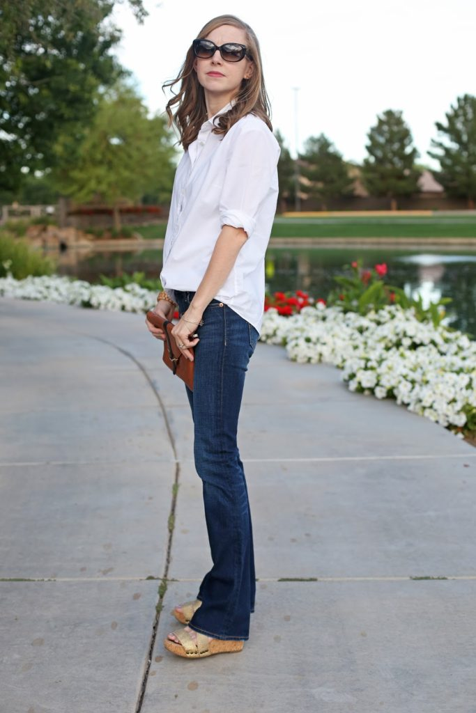 Wondering what to wear now that flares are coming back in style? Try this easy and classic combo