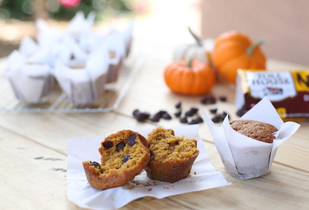 The BEST pumpkin chocolate chip muffins